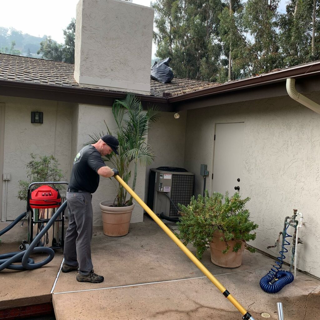 Gutter Cleaning San Diego